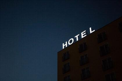 Choose Right Hotel